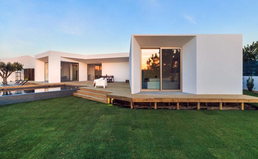 Czas budowy domu jest nie tylko wyjątkowy ale dodatkowo niezwykle oporny.